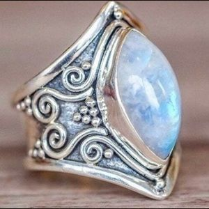 Vintage silver plated moon stone Ring